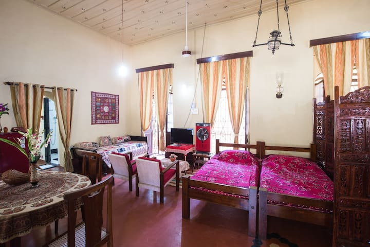 Beautiful apartment in a period Portuguese villa