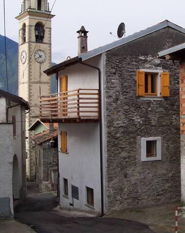 Casa vacanze in  Valtellina vicino al lago di Como