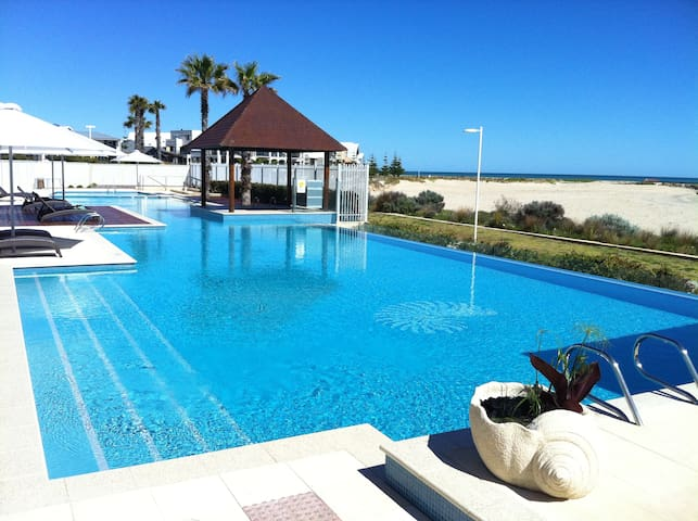 Spacious apartment on beachfront - Mandurah - Huoneisto