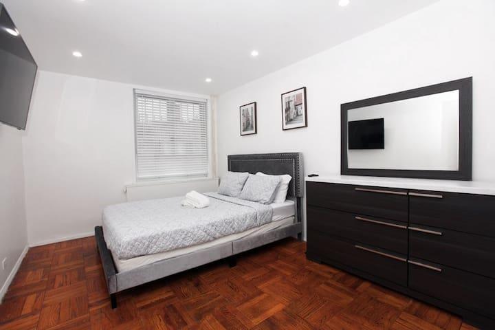 Cozy intrinsic room with modern feel