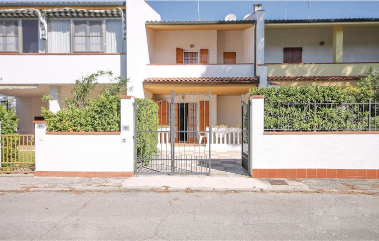 Semi-Detached with 3 bedrooms on 65m² in Lido delle Nazioni FE