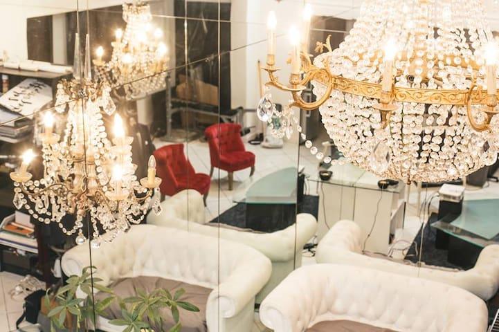 Spacious & charming house in the heart of Paris - Paris - Haus