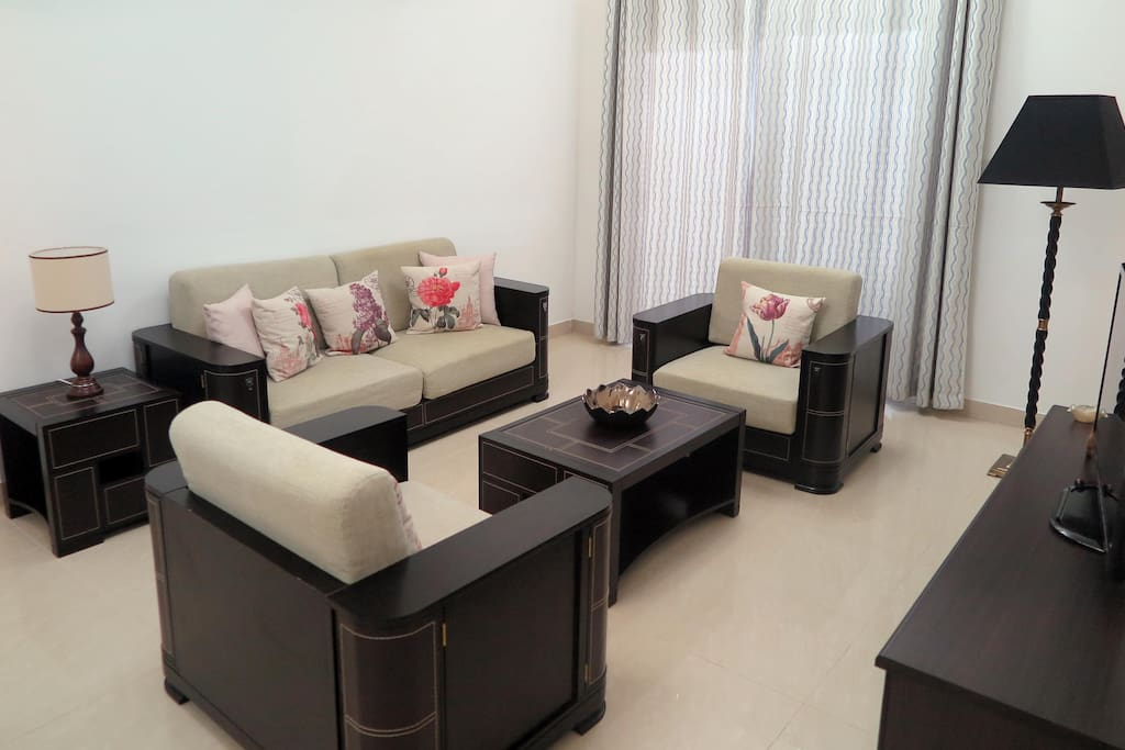 Large comfortable living area suitable for up to 6 guests