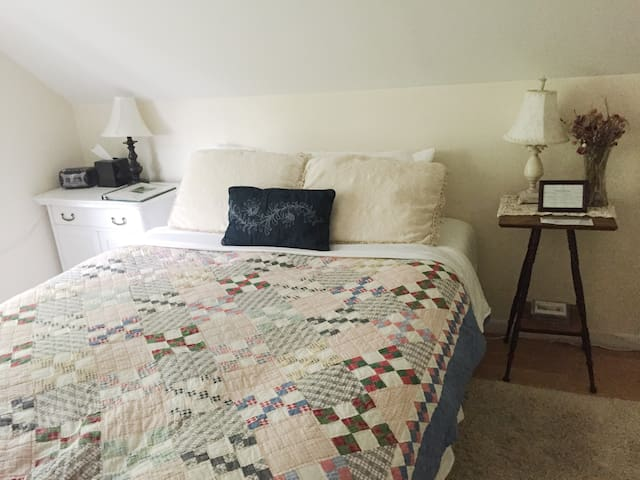 Artist Loft 2-Bedroom Suite - Montgomery - Bed & Breakfast