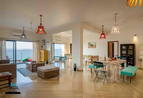 Lavish Sea View Apartment!!