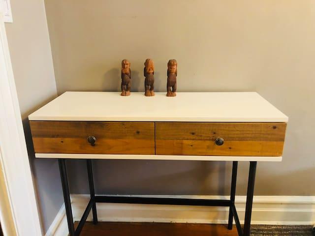 Small desk & three wise fellows