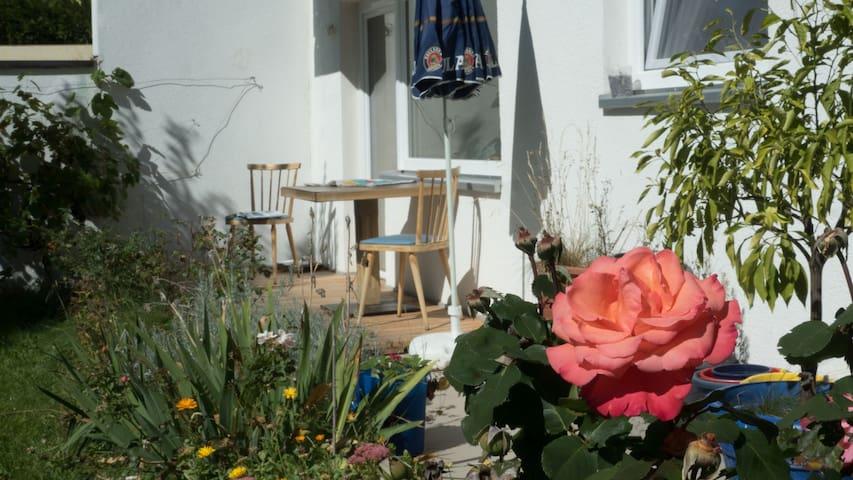 Apartment mit Garten