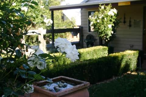 Chestnut cottage - Pet friendly accommodation