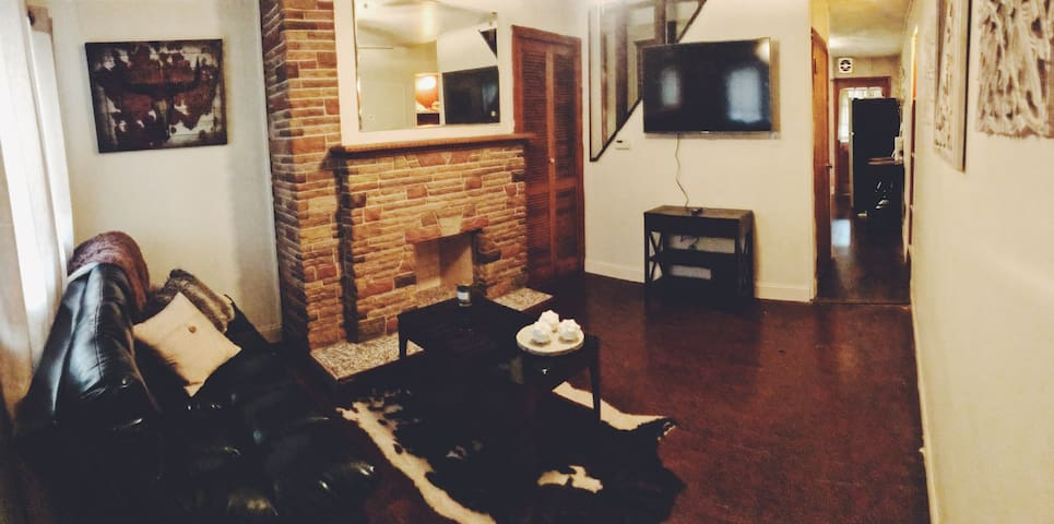 2 Bed/2 Bath located in the heart of Lawrenceville