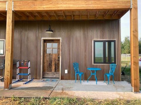 farm house studio apartment with lofted bedroom