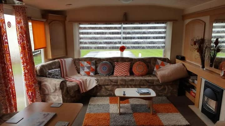 Lovely caravan at Lyons robin hood