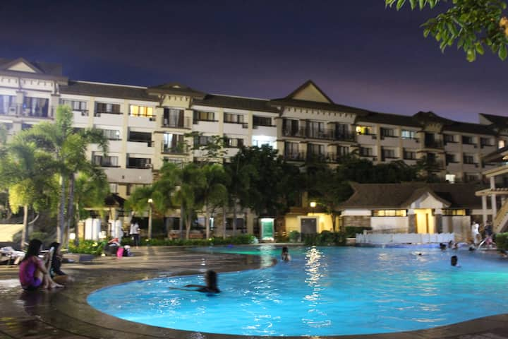 ONE OASIS B1,  BACK OF SM MALL,8PAX FREE POOL+WIFI