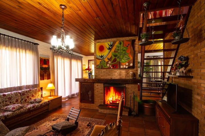 Casa no vale dos sonhos, para ate 23 pessoas