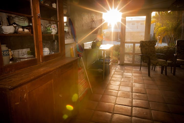Quaint Ground Floor Small Home  - Bradenton Beach - House