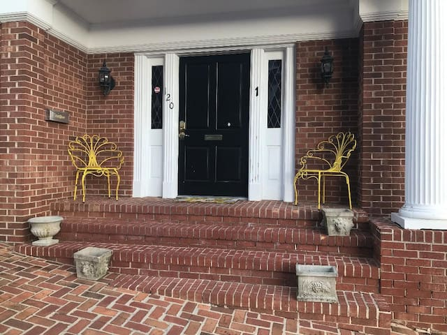 Downtown Historic Abingdon, Short/Long Term Rental