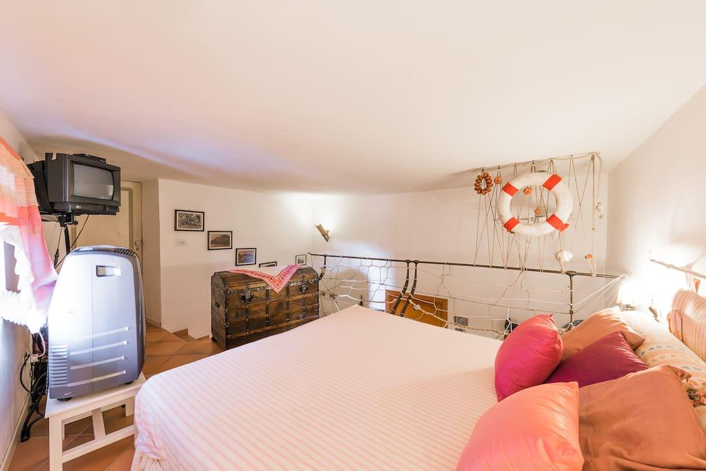 Camera Rosa Salina a 180 mt slm - Ville in affitto a Leni, Sicilia, Italia