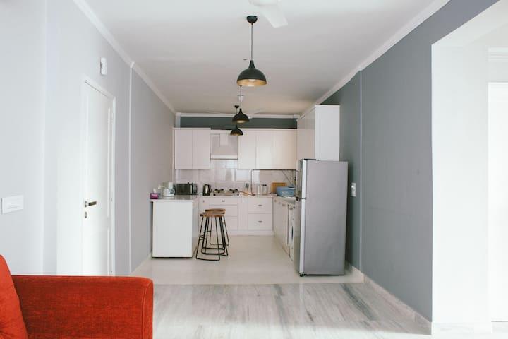 Cozy & Comfy 2 bedroom apt in Hauz khas