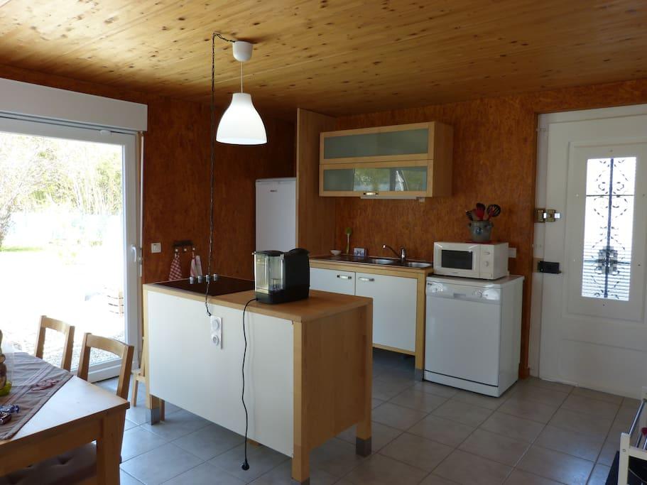 coin cuisine avec accès terrasse
