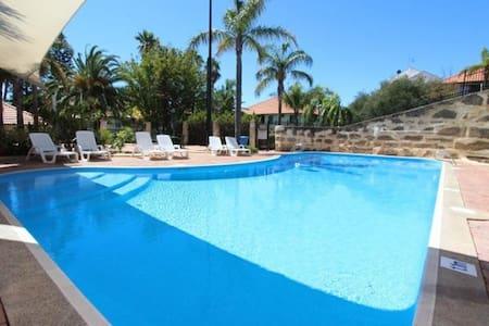 Fantastic affordable family apartment Mandurah - Mandurah