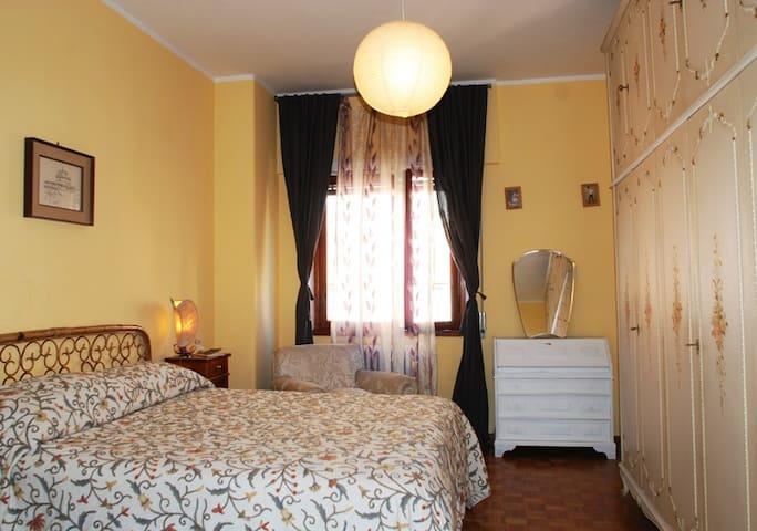 Vintage room close to Vatican City