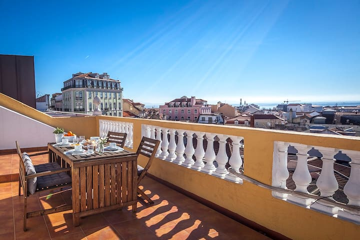 Principe Real Rooftop @ Family&Friends Apartments