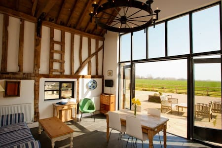 Two Bed Luxury Converted Barn with Gym & Spa (RV) - Essex - Domek gościnny