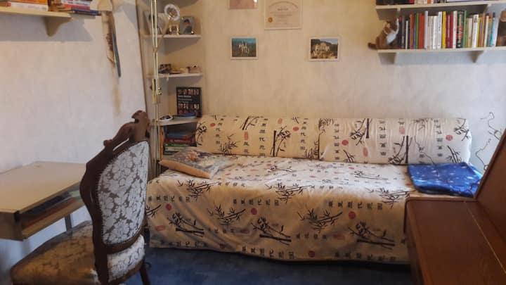 Gemütliches zentrales Zimmer mit kleinem Balkon