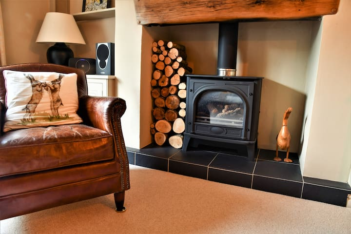 Country chic in unique English Village