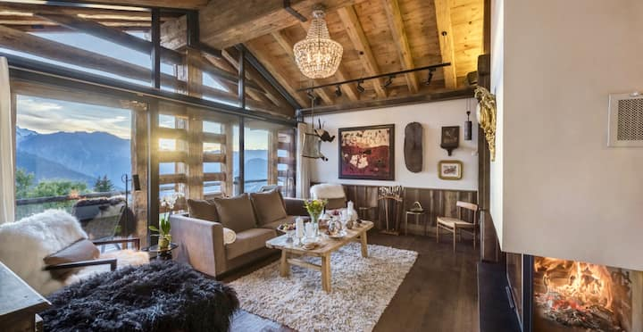 Iconic luxurious Ski-In, Ski-Out Chalet