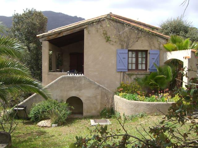 AJACCIO - STUDIO 4 pers dans Villa - réf FR5AUM7M