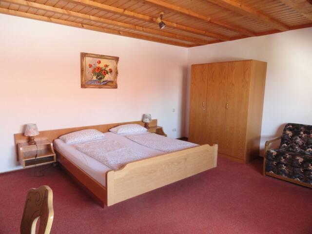 Gästehaus Bettina, (Sipplingen), Vierbettzimmer mit Dusche und WC