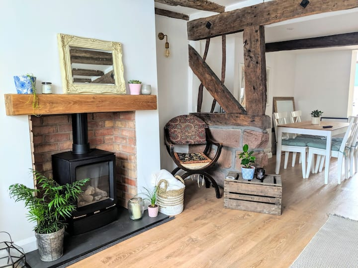 Gorgeous Grade II Listed Cheshire Cottage