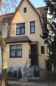 Stadtwohnung im 2Fam.Haus-Nähe City - Bremen - Townhouse