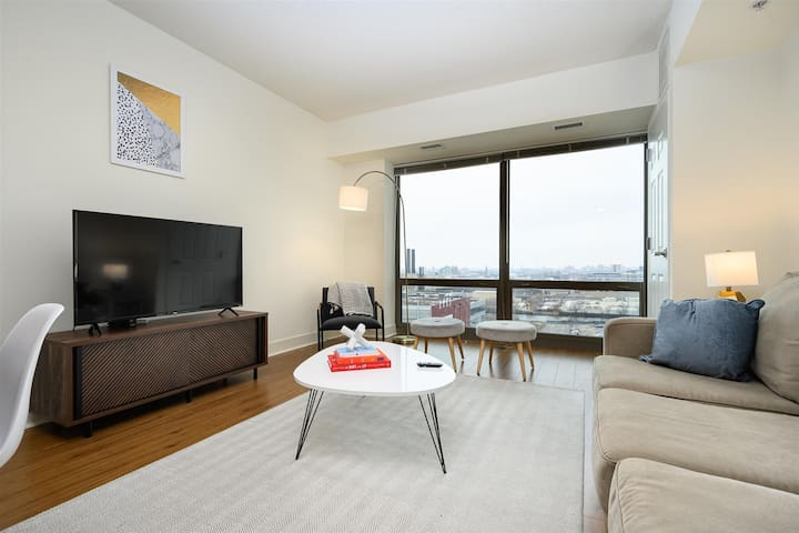 Kasa | Chicago | Sleek & Modern 1BD/1BA South Loop Apartment