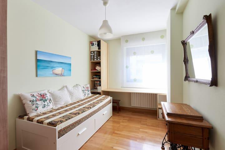 Cómoda y tranquila habitación privada.