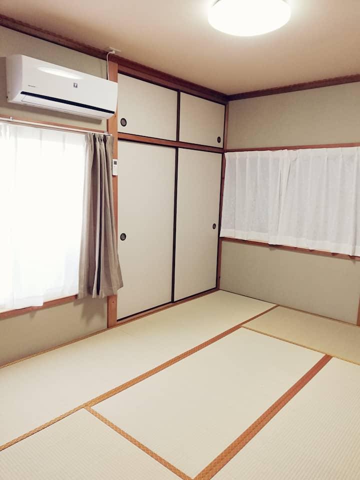 奈良の近鉄九条駅から徒歩4分【個室Aルーム和室】一軒丸ごとプランもあり!コンビニなども近く便利
