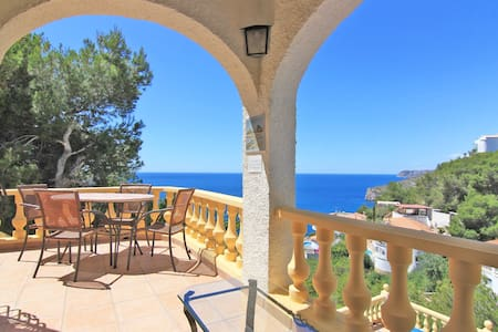 Villa with Spectacular Sea Views and Private Pool