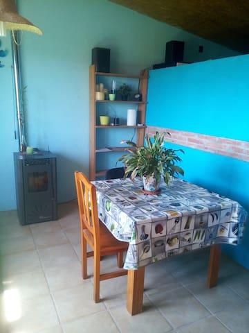 Apartament-loft al camp. Finca agrícola ecològica - L'Escala - Kondominium