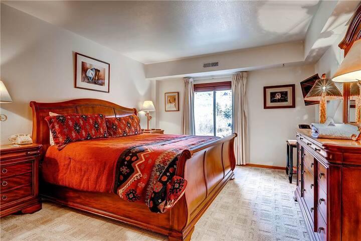 Hotel Room Near Main Street - PS244-2