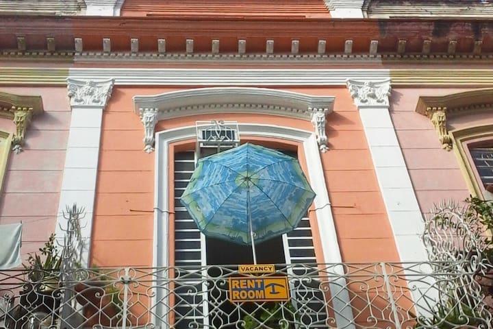 Casa Habana Sra. YUNEISY