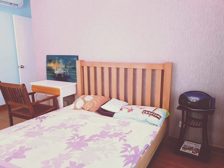 5★ fantastic room with beautiful view to city