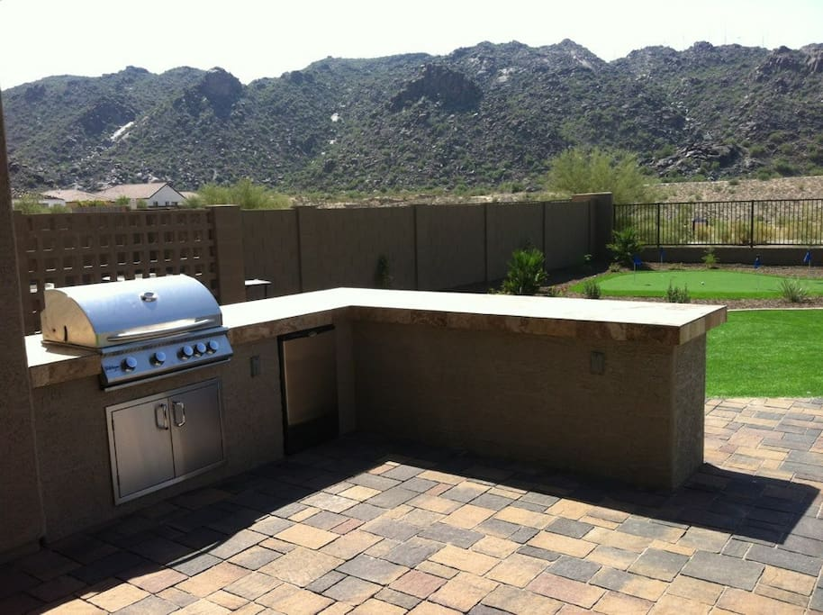 natural gas grill, fridge, island