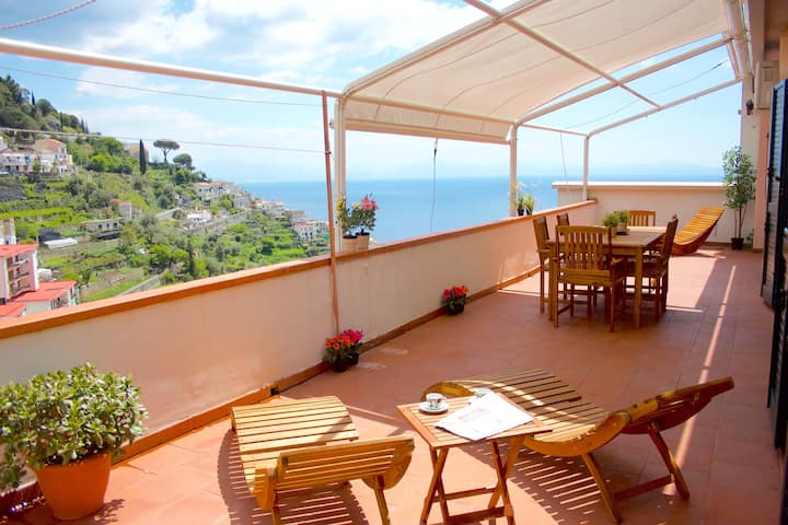 Amalfi Hill Top House - for families and groups!