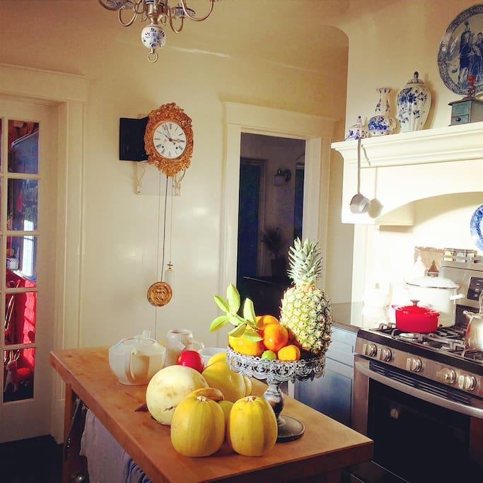 Isn't this kitchen nice!?