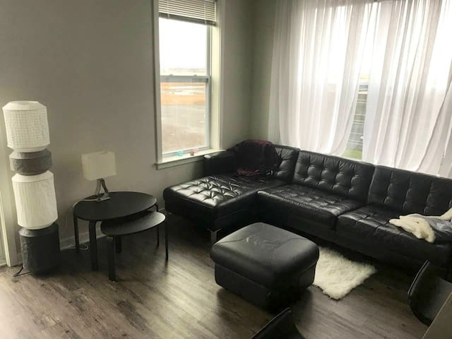 waterfront  luxury cozy apt near NYC & MetLife Sta