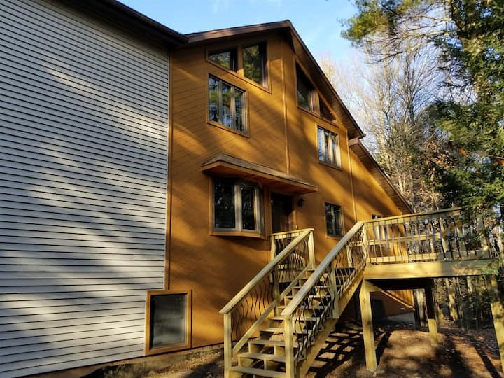 GWA110-Pocono Lake Front For Rent