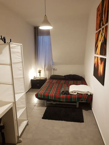Cosy room in Karlsruhe Center , Close to KIT