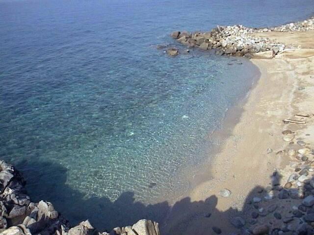 A due passi dalle spiagge piu famose - Coccorino - House