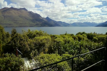 Big room with ensuite by the lake - Queenstown - Casa