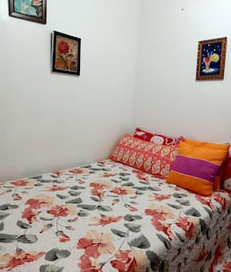 Comfortable private room #2 with WIFI and NETFLIX